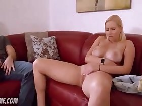 Vanessa Cage Daddy forces daughter