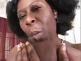 huge african mama getting white dicked