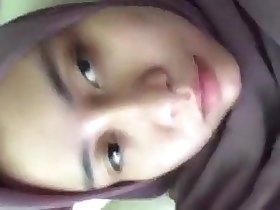 Jilbab Muslimah Masturbating